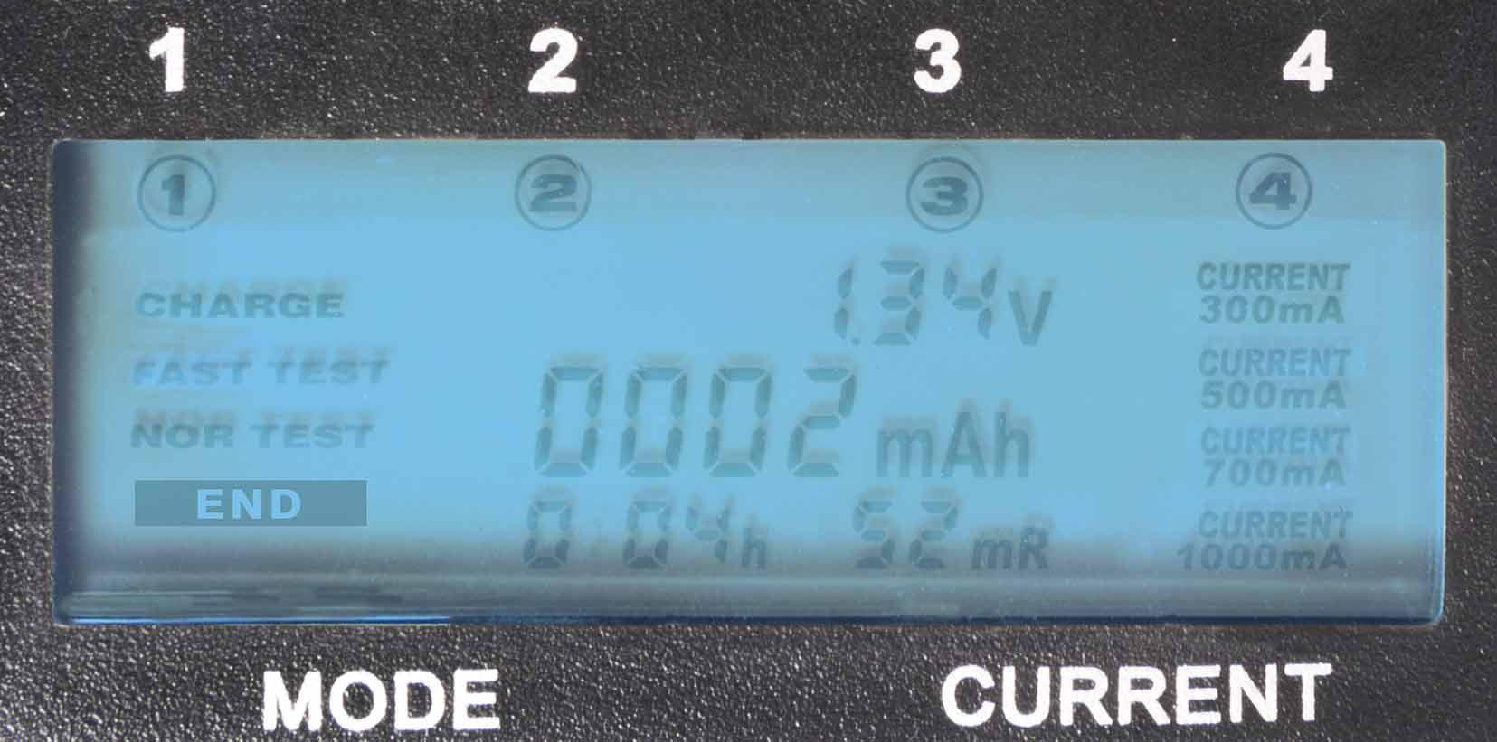 Display caricabatterie universale CM-500 Camelion